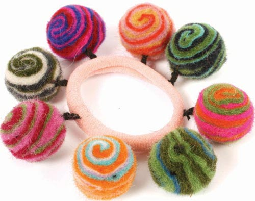 Hair bobble with mulicoloured balls striped