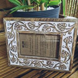 Photo frame, wood white cut out leaf design, 6x4inch photo