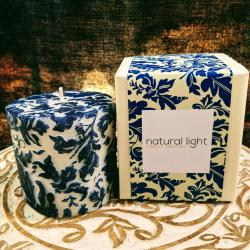 Candle damask leaf blue + white, 7.5cm flat